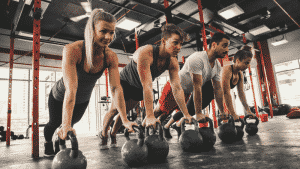 Crossfit, Trainingsteam, Fitnesscenter, Liegestütz, Kettleballs