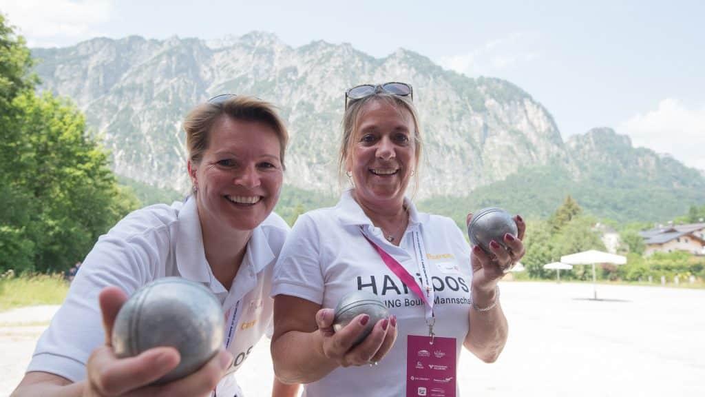 EuropäischeBetriebssportSpiele2019, zwei Damen freuen sich über Bocciaveranstaltung