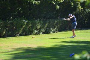 Golf, Spieler beim Abschlag, Betriebssport Meisterschaft, 2020
